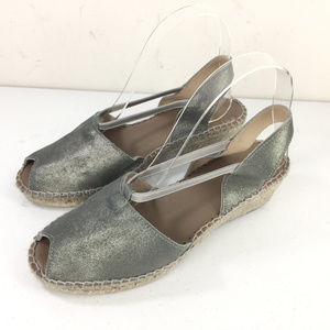 Anthropologie Andre Assous 8 Gray Silver sandals